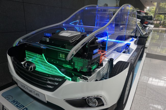 투싼ix 수소연료전지 자동차의 절개 모형. - 녹색기술센터 제공